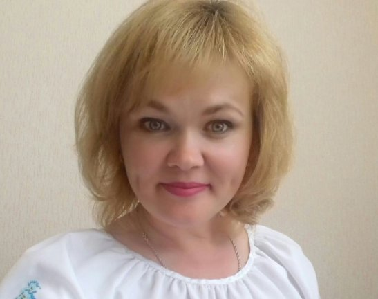 Директорка навчального закладу села Червоний Яр Любов Землянська