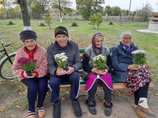 ФайноМаркет привітав бабусів та дідусів зі святом!