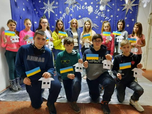 Українські полонені, повертайтеся додому!