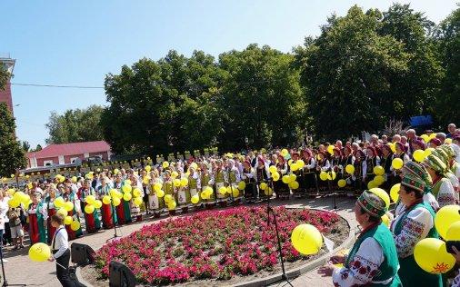 Аджамська громада співала гімн разом з усією областю!